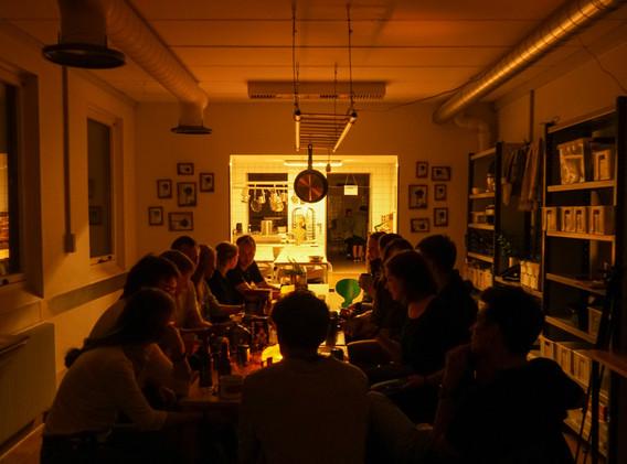 Bab_people_dinner_1.jpg
