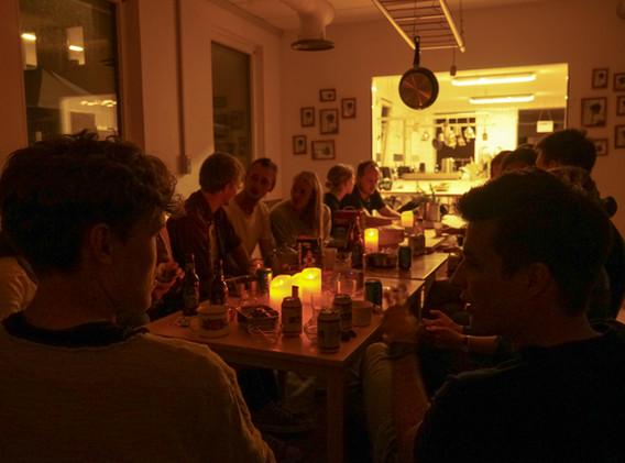 Bab_people_dinner_2.jpg
