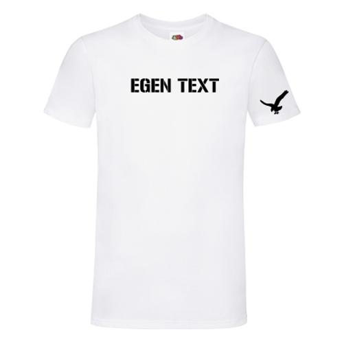Vit T-shirt med egen text. Herr.
