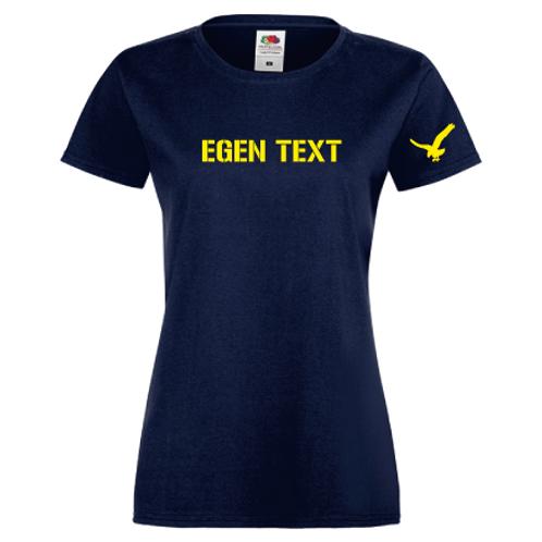 Blå T-shirt med egen text. Dam.