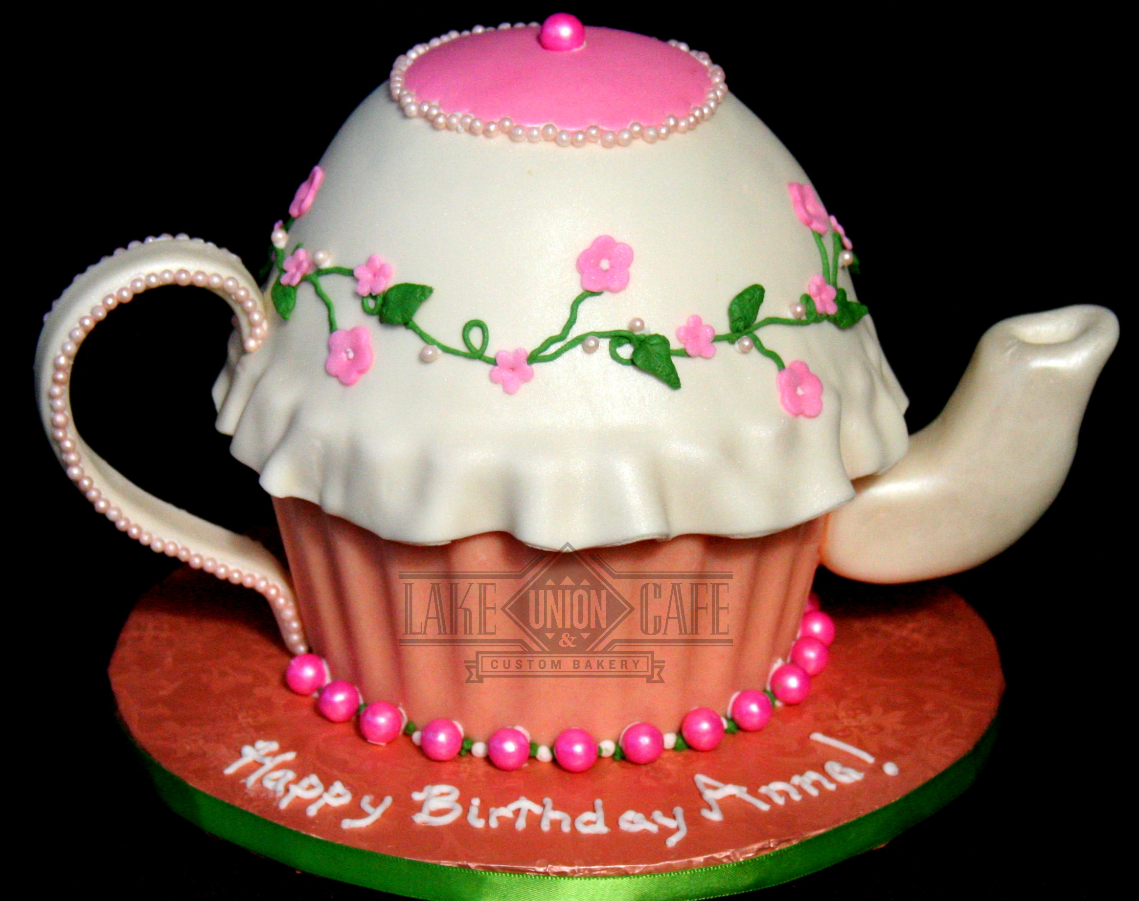 Specialty Teapot Cake