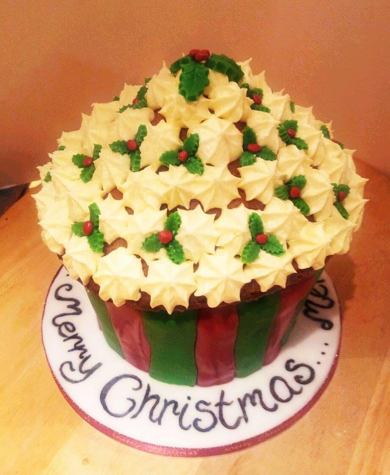Large Holly Cupcake