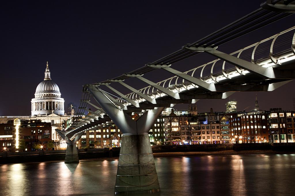 -Millennium-Bridge