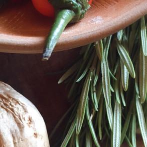 Baño herbal de pies para reactivar la circulación*