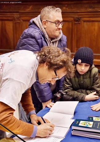 Zaccagni firma autografi