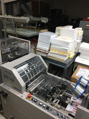 Collating machine _ Speedy Printing Katy Freeway