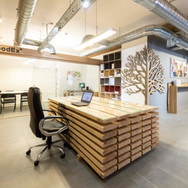 MANCHESTER SHOWROOM Table