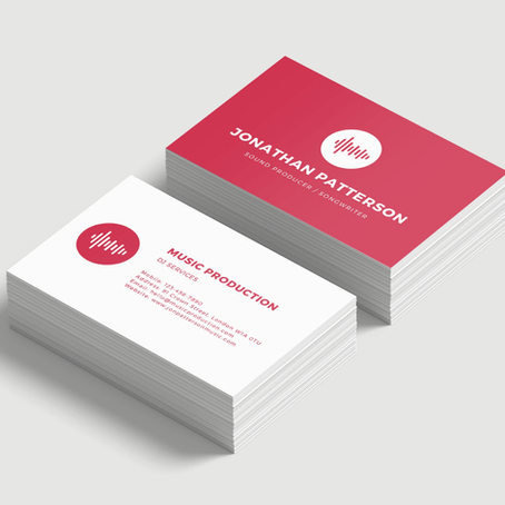 The Pros & Cons of Paper Business Cards vs Digital Business Cards