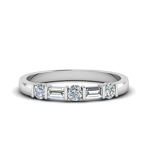 round-and-baguette-diamond-band-in-14K-w