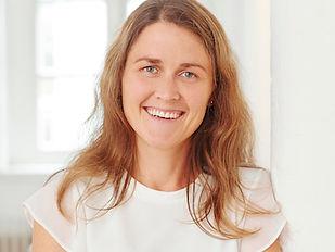 Kerstin Kotten, Osteopathin in Oldenburg, erklärt Osteopathie