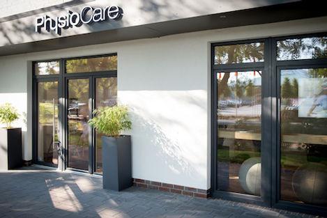 Eingang zum Fitnessstudio PhysioCare in Oldenburg