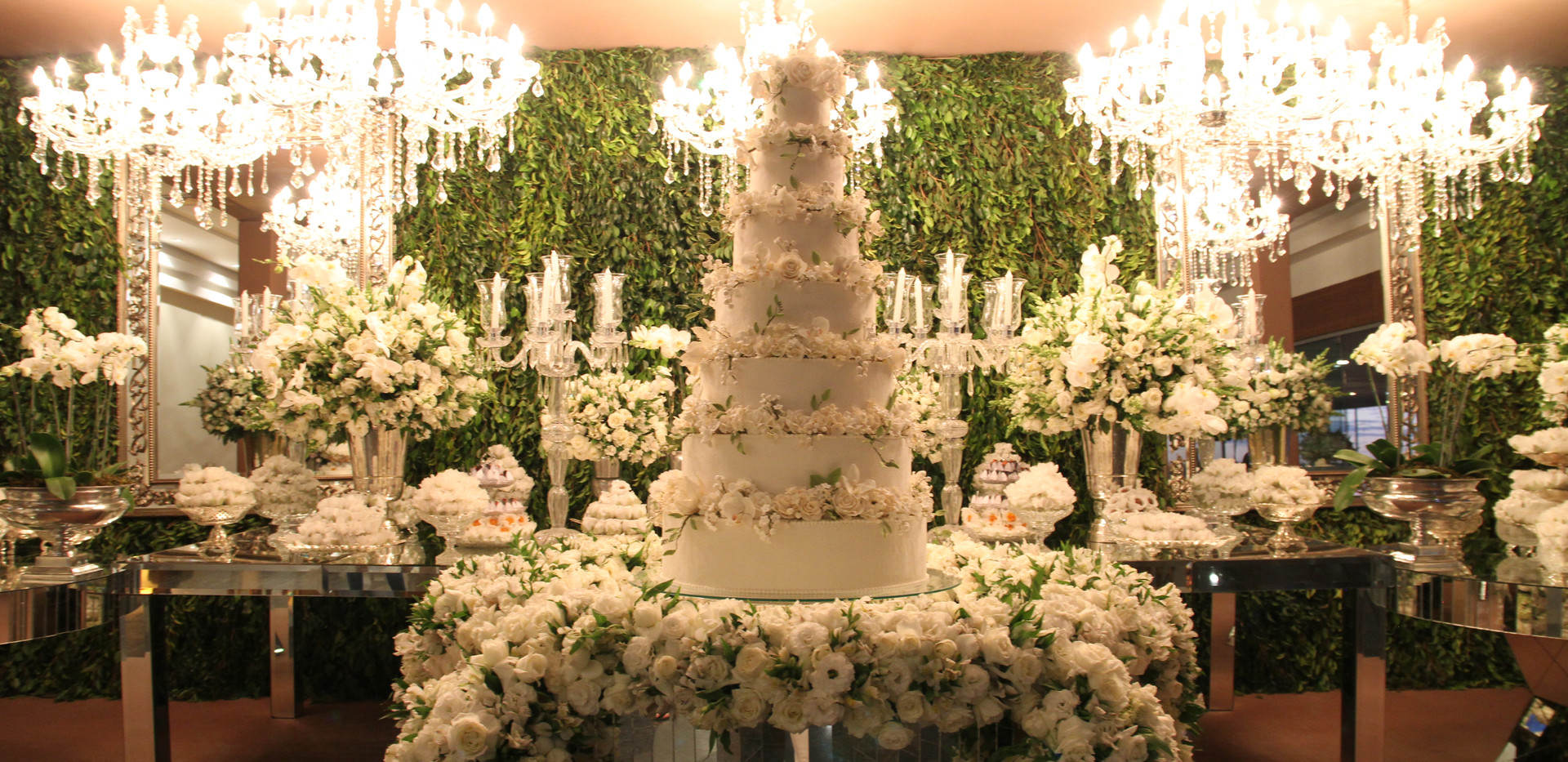Mesa do bolo com maquete redonda - 7 andares