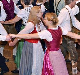 Folklore-Volkstanz-Trachten.jpg