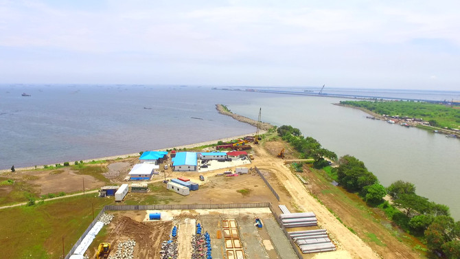 Marunda C.04 section port construction