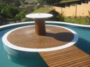 Deck para fonte e piscina