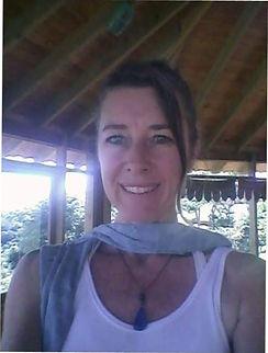 Yogaterapia hormonal Online com Cristal Schleumer