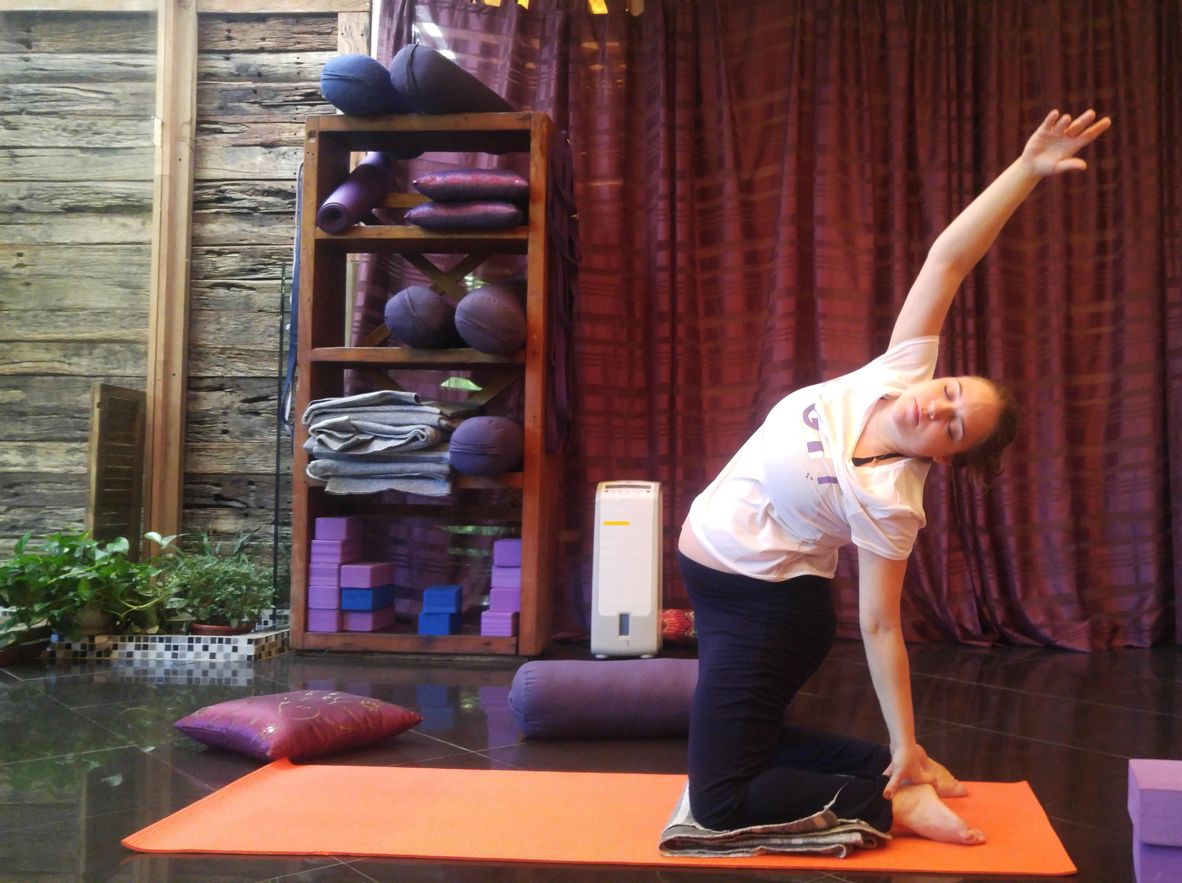 Mukti-Yoga-Shala-Livia-Gestante.jpg