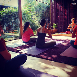 Yoga na Jornada de Experiências