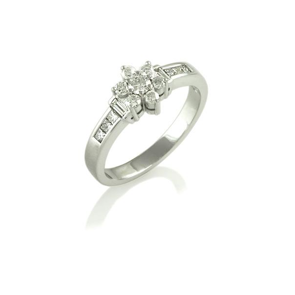 Round, baguette & princess cut Diamond cluster ring