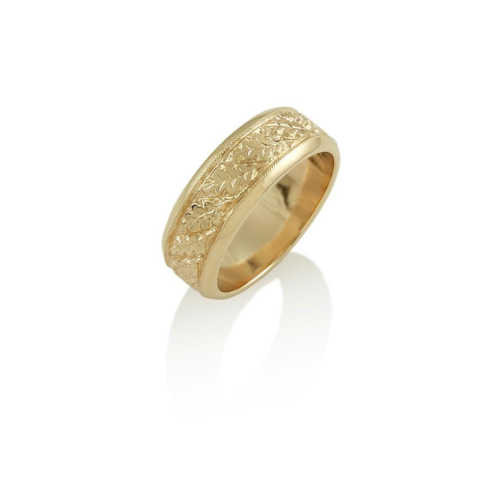 Oak leaf motif engraved band ring