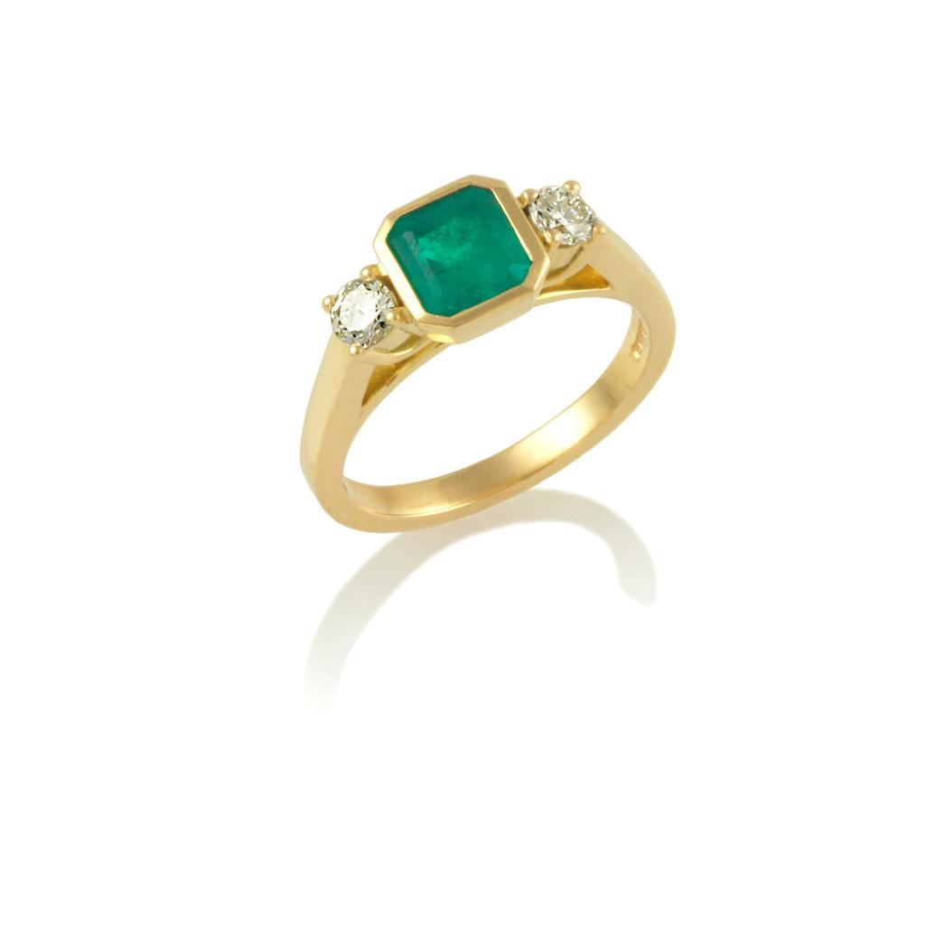 Emerald & Diamond 3 stone ring