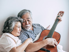 Os benefícios de estudar música na terceira idade