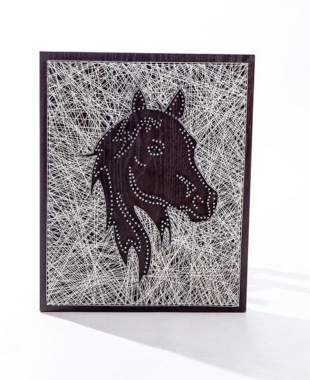 String-Horse face
