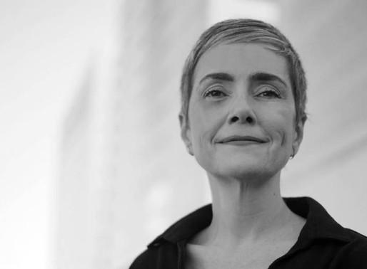 Livro da escritora Débora Diniz ainda é o mais indicado para direcionar estudantes
