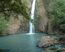 El Cora waterfall & pool