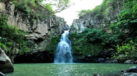 Waterfall & pool