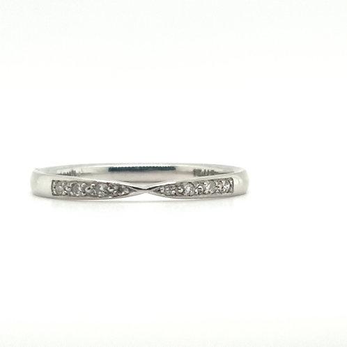 Ribbon Twist Diamond Platinum Ring