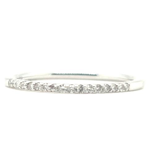 Pretty Platinum Diamond Claw Set Ring Size N