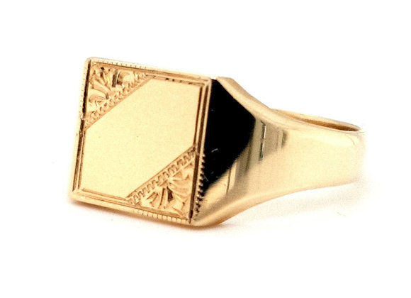 Square Shaped Signet Ring set in 9ct Yellow Gold