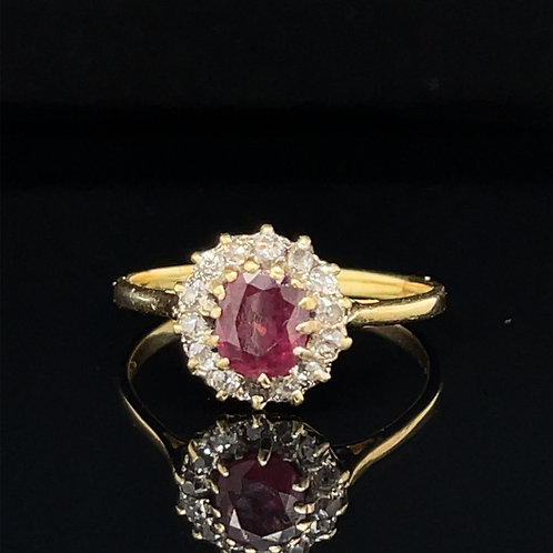 Antique Edwardian 18ct Yellow Gold Oval Ruby & Old Cut Diamond Cluster Ring