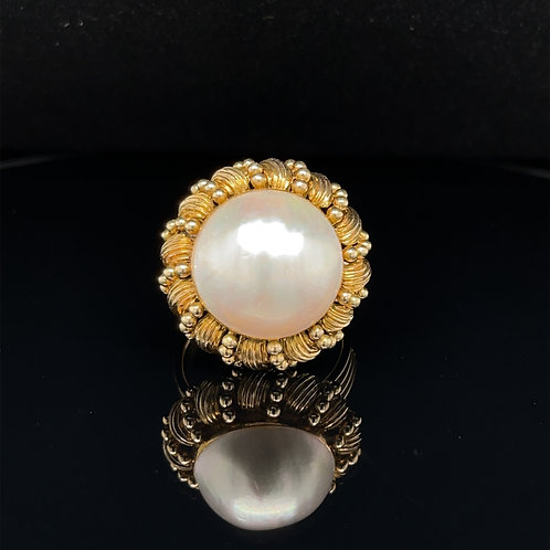 Mabe Pearl Statement Ring 14ct Yellow Gold
