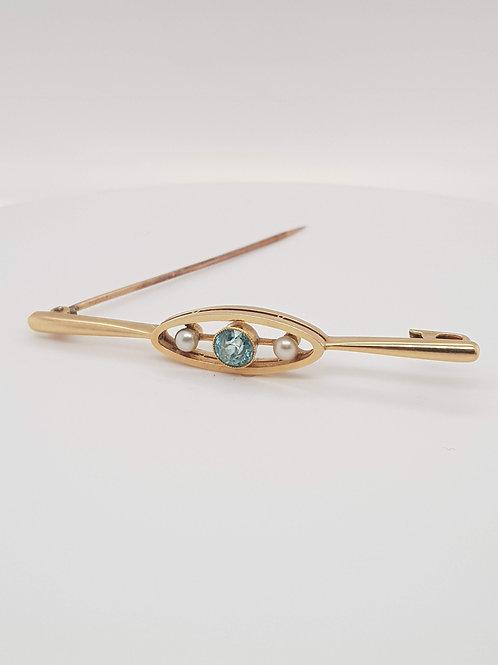 Aquamarine and Pearl 15ct Yellow Gold Brooch