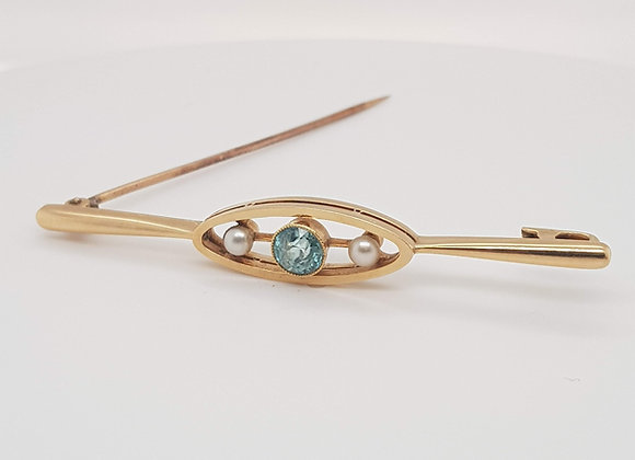 Aquamarine and Pearl 15ct Brooch