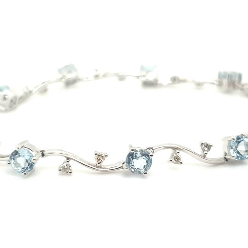 Aquamarine and Diamond Bracelet 18ct Gold