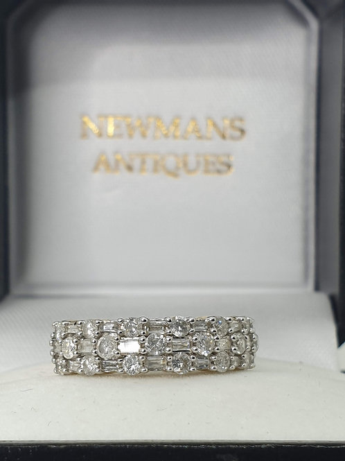 1 CARAT DIAMOND RING 9CT YELLOW GOLD ROUND & BAGUETTE DIAMONDS GOOD CONDITION