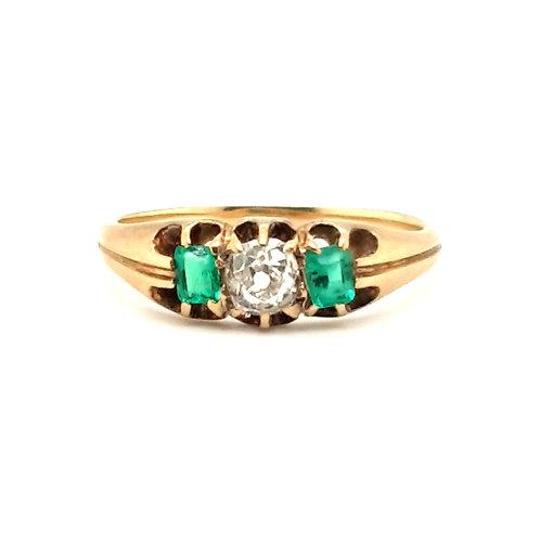 Antique Emerald & Diamond Ring 18ct Gold