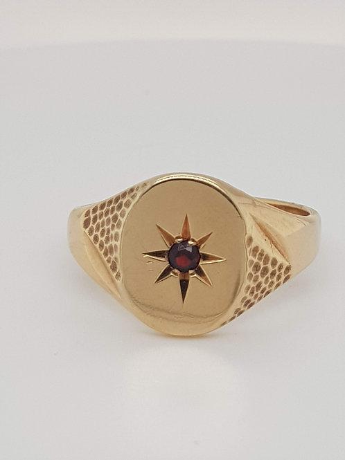 Gentlemans Garnet Fancy Signet Ring 9ct Yellow Gold Size X 1/2