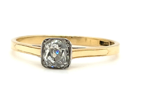 Old Cushion Cut Diamond Ring in 18ct / Plat