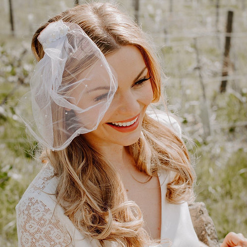 Personalised Vintage Daisy Flower Short Blusher Tulle Beaded Wedding Veil For th