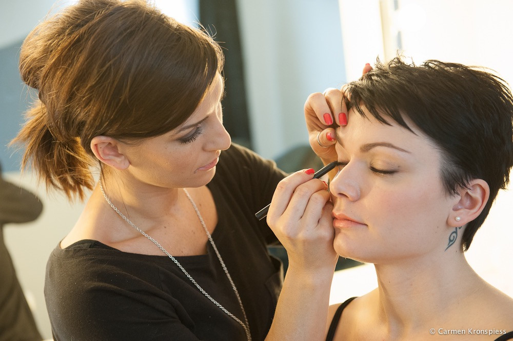 MakeupDetails-ElaPure.jpg