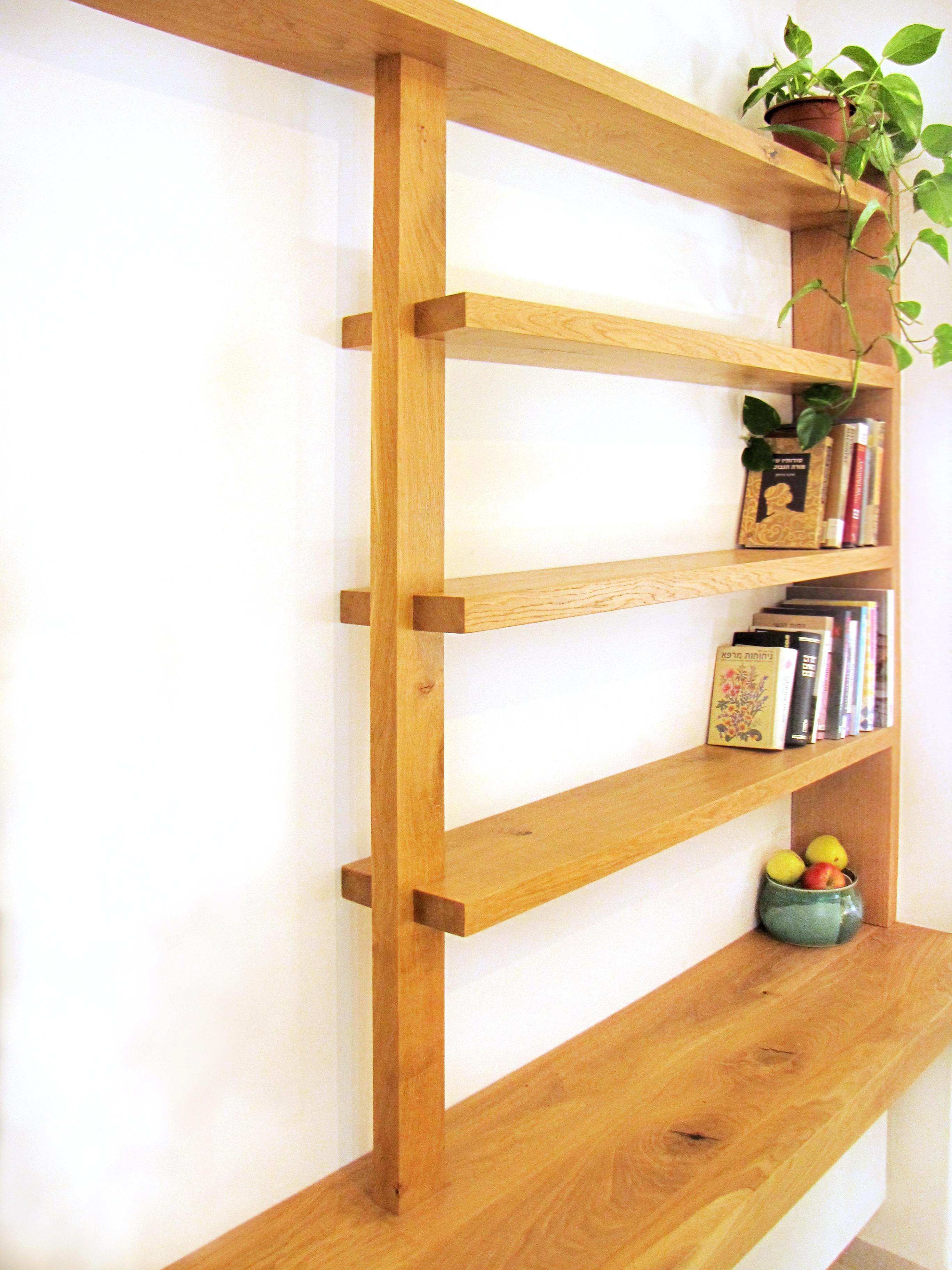 ספריית עץ אלון מבוקע