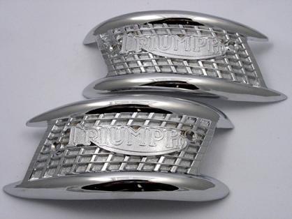 82-4127 - Triumph Tank Badges
