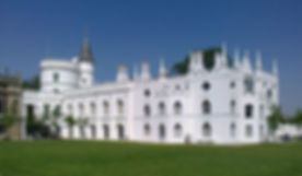 Strawberry_Hill_House_from_garden_in_201