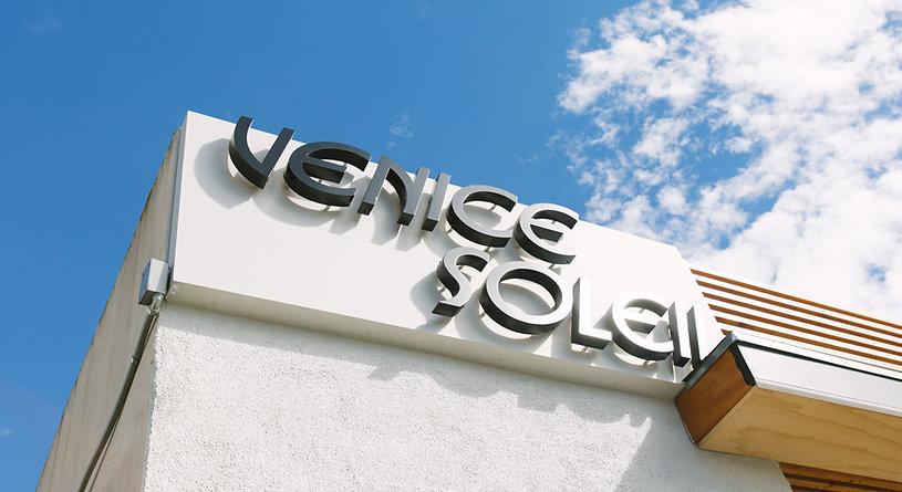 Venice Soleil building
