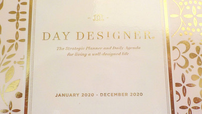 Picking Your 2021 Planner: Day Designer 2020 Daily & Monthly Planner Review