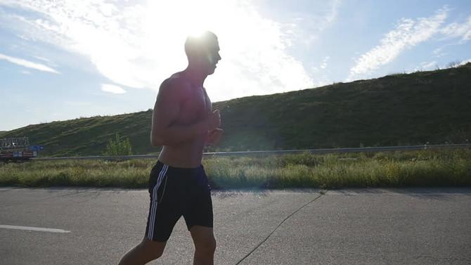 Ελεύθερο τρέξιμο Vs Διάδρομος : Σε ποιο καις περισσότερες θερμίδες;